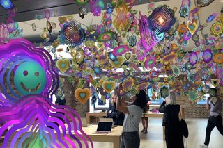 Apple [AR]T Walk Augmented Reality tours brings AR art to the streets image 2